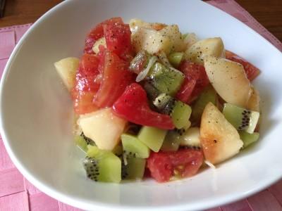 桃とキウイとトマトのカッペリーニ